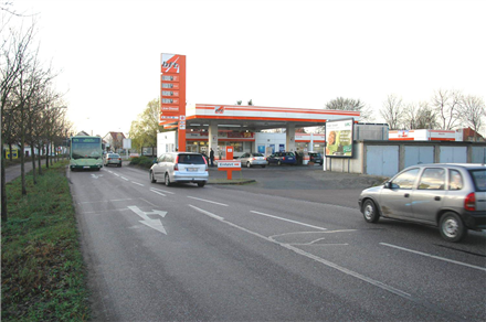 Dessauer Chaussee  11 re (B187A) Tankstelle, 06385,