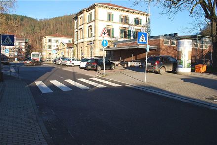 Bahnhofsplatz re/Bahnhofstr, 69412,