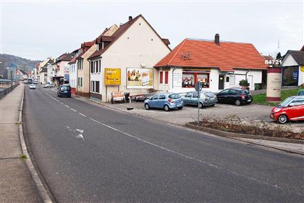 Igelbachstr  28-29 re (P), 76593,