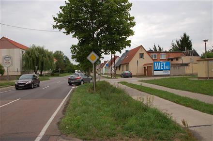 Dessauer Landstr. 20/Str. des Friedens (quer), 06385,