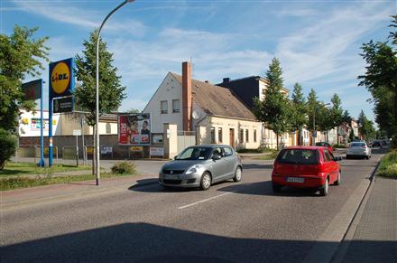 Magdeburger Str. 84 /Lidl/Einfahrt (quer zur Str), 39240,