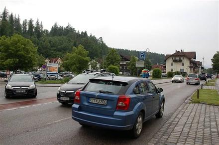 Morisse/PP/Einfahrt Kemptener Str/rts/Sicht Str/Zuf Feneberg, 87629,