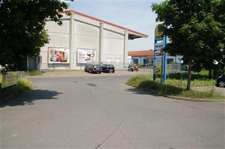 Spielsee 9 /E-neukauf/geg. Ein- u. Ausfahrt (rts), 97447,