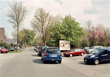 Dorfstr. 86-87/Autohaus (quer zur Str), 26532, Ostermoordorf