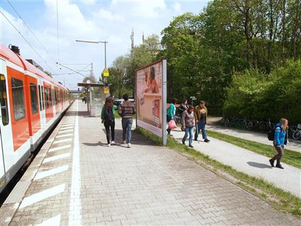 S-Bf, Bstg., Ri. Freising, 1.Sto., 84174, Mitte