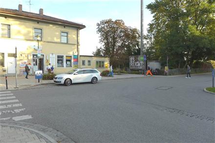 S-Bf Feldkirchen,Bf-Vorplatz, 85622, Mitte