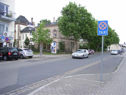 Eckertstraße gg. / Julienstraße gg. Bahnhof, 91207,