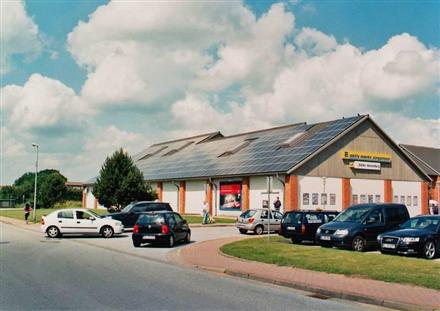 Wiesharder Markt 3 /E-aktiv/lks von Einfahrt (rts), 24983,