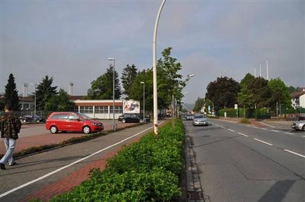 Bahnhofstr. 9/B 27 /Lidl/Einfahrt (quer zur Str), 37431,