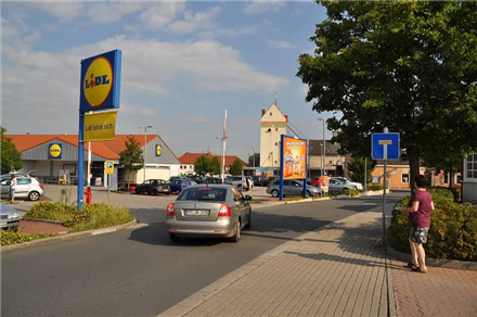 Am Bahnhof 3-5 /Lidl+Rewe/nh. Einfahrt (Sicht Rewe), 34582,