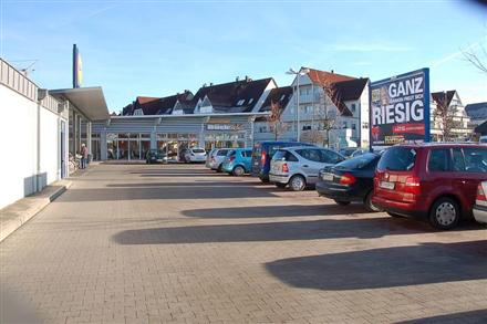 Eckentaler Str. 1 /Lidl/geg. Eingang (Sicht Markt), 90542,