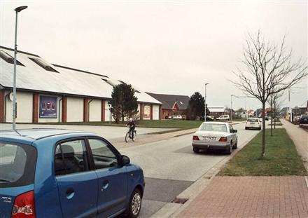 Wiesharder Markt 3 /E-aktiv/lks von Einfahrt (lks), 24983,