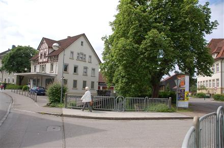 Hauptstr/B 34 (beim Rathaus), 78244,