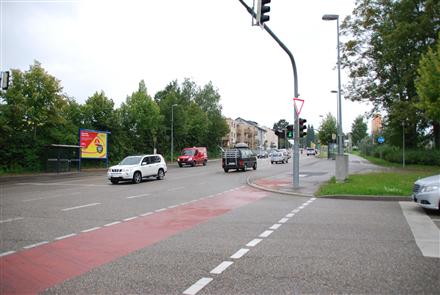 Aldinger Str/geg. Globus (neb. Bus-Hts), 70806,