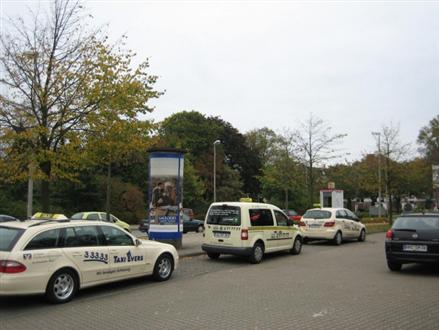 Am Bahnhof/Am Taxistand, 24837,