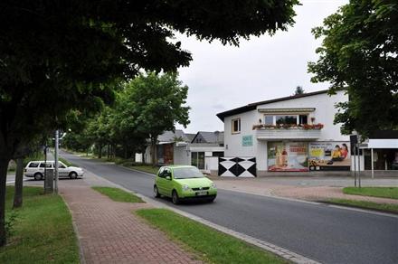Am Denkmal 1/quer zur Calenberger Str, 30926, Lohnde
