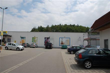 Zum Riesenberg 5 /E-neukauf/neb. Eingang Getränkemarkt, 78476,