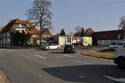 Am Schlagbaum/B 241/Osteröder Str. 59 (quer zur Kreuzung), 38678,
