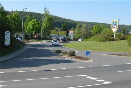 Ignaz-Schwinn-Str. 3/Zufahrt Aldi (quer zur Kreuzung), 74736,