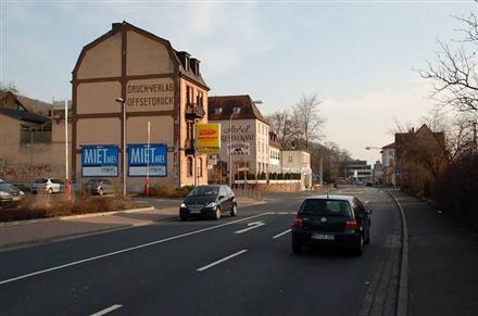 Bahnhofstr. 27 /Netto Einfahrt (quer zur Str), 97737,