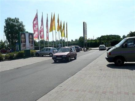 Conrad-Tack-Ring 34 /Rewe/geg. Eingang (Sicht Netto), 39288,