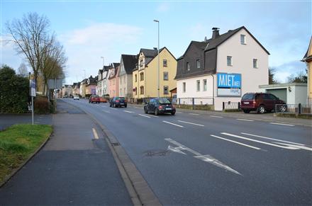 Limburger Str. 68/B 417/Zufahrt Rewe (quer am Giebel), 65582,
