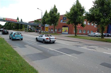 Bürgermeister-Haupt-Str. 31 a /Netto/Einfahrt (Wand), 23966, Wismar-West