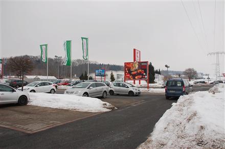 Pulsnitzer Str. 16 /Kaufland/geg. Einfahrt (Sicht Eingang), 01900,