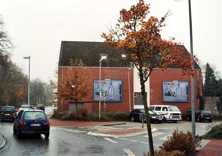 Hindenburgstr. 79/Zufahrt Lidl (quer zum Kreisel), 27442,