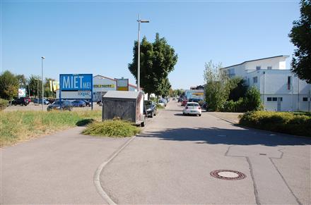 Hirschmann-Ring 6 /E-aktiv/Einfahrt/WE lks (quer zur Str), 71726,