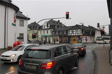 Hauptstr. 2 (B 229) / Hönnetalstr. (B 229), 58802, Innenstadt