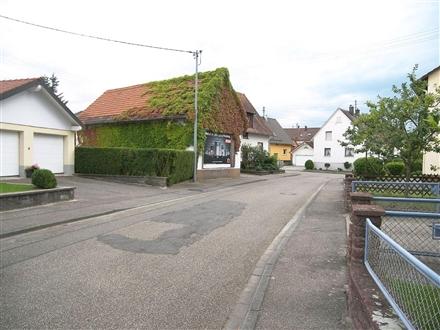 Kleemattstr   2 re, 76532, Haueneberstein