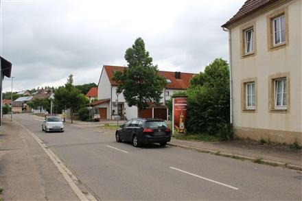 Dorfstr  25 li/Im Gutshof/-Treschklingen, 74906,