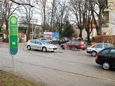 Crailsheimstr 16/ Bahnhofplatz, 83278,