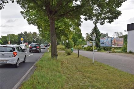 Weetzener Landstr. 20/bei Tenniscenter/geg. Lidl (auswärts), 30966,