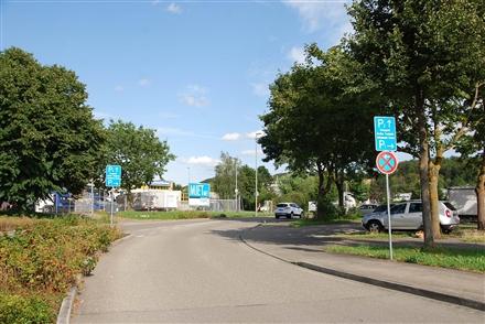 Röntgenstraße 15 gg. Hallenbad nh. Getränke-Markt, 63486,