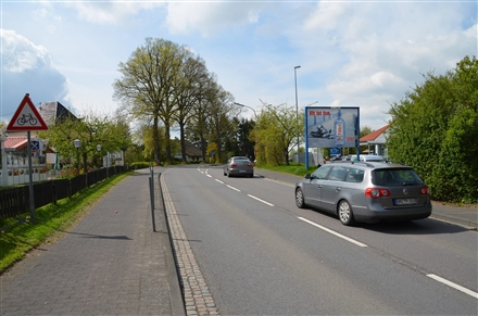 Hauptstr. 14 /Lidl/B 256/geg. Eingang/Sicht Warenannahme, 51545,