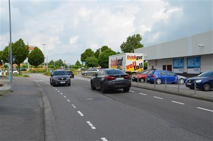 Kleinbahnstr. 28 /Trinkgut/parallel zur Str (Wand), 47906,