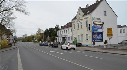 Niederrheinallee 55 (quer am Giebel), 47506,