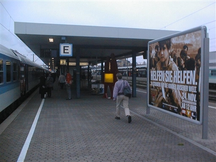 Hbf, Bstg., Gleis 4,Abschnitt E, 93047, Innenstadt