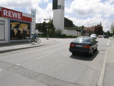 Neue Poststr.   1/Rewe Si. Bahnhofplatz, 85598, Baldham
