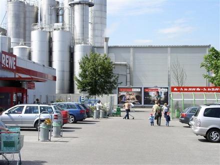 Fauststr.   5/Rewe re. neb. Eing., 85051, Bahnhofsviertel