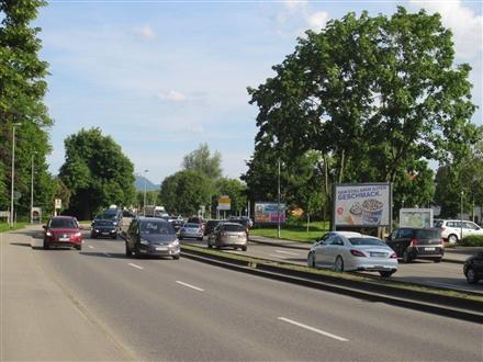 Stuttgarter Str.   1 vor Hallenbad sew., 72622, Oberensingen