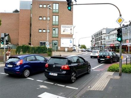 Kölner Str.   1/Bahnstr. quer B55 unten, 50126, Bergheim