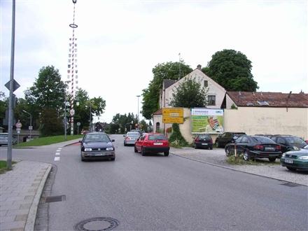 Friedhofstraße nh. / Brückenstraße, B 12, 84453,