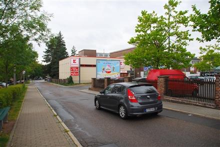 Heinrich-Heine-Str. 1 /Kaufland/Einfahrt/einw (quer zur Str), 09337,