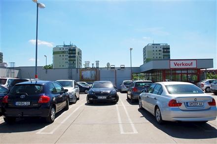 Platz der Befreiung 6 /Kaufland/Parkdeck/nh. Eingang (rts), 16303,