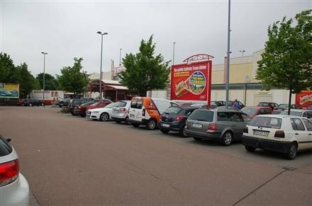 Schützenplatz 2 /Kaufland/nh. Eingang/Sicht Einfahrt, 06526,