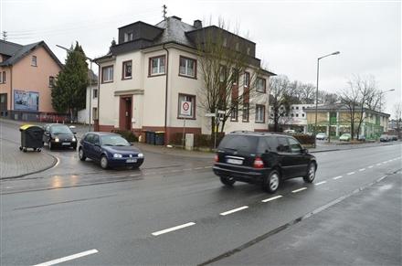 Doktor-Erich-Moning-Str. 4 (quer am Giebel), 57223, Langenau