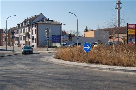 Dammstr. 24 /Getränkeland/geg. Eingang (quer zur B 273), 14641,